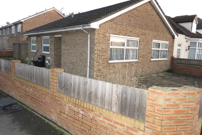 Thumbnail Bungalow to rent in Redmead Road, Hayes