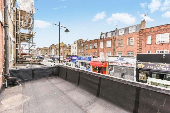 Thumbnail Flat to rent in Chapel Market, Angel Islington, London
