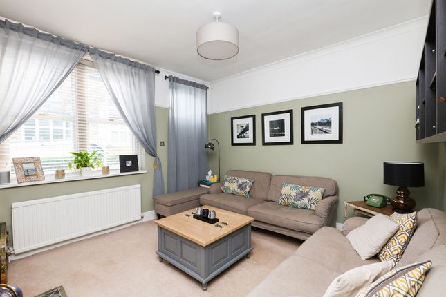 Lounge of Lemont Road, Totley Rise, Sheffield S17