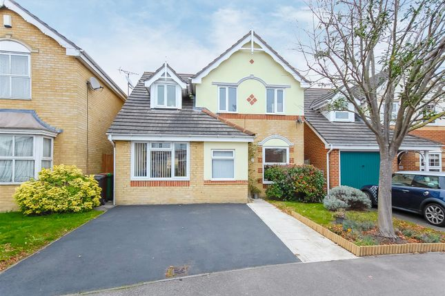 3 bed detached house for sale in Richards Way, Cippenham, Slough