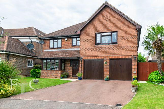 Thumbnail Detached house for sale in Richardson Crescent, Cheshunt, Hjertfordshire