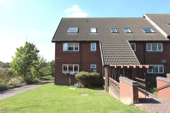 Thumbnail Property to rent in Clifton Court, Hinckley
