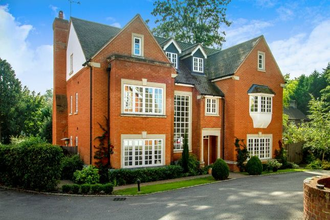 Thumbnail Detached house for sale in Wych Hill, Hook Heath, Woking