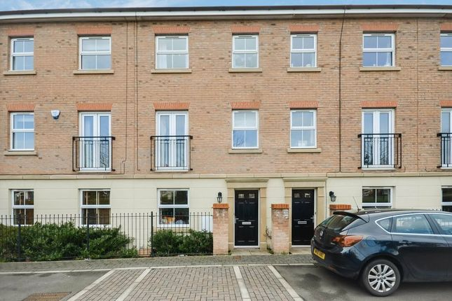 Thumbnail Town house for sale in 81 Scotsman Drive, Doncaster