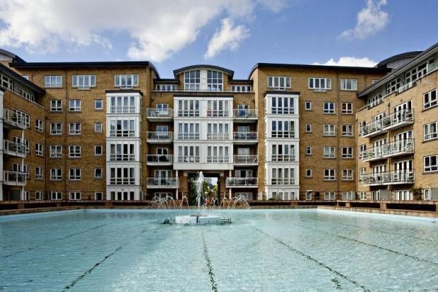 Thumbnail Flat to rent in St Davids Square, London