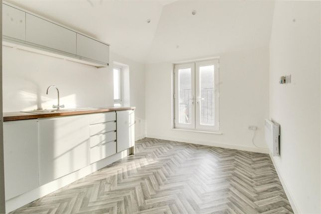 Thumbnail Flat for sale in Paget Street, Cardiff