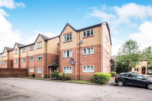 Thumbnail Flat for sale in Simpson Close, Leagrave, Luton