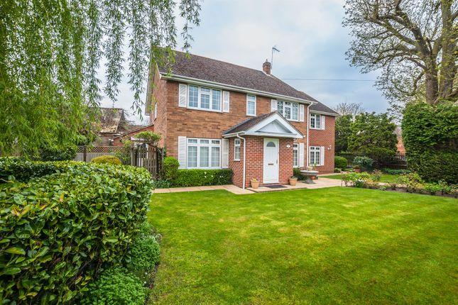 5 bed detached house for sale in Hedsor Road, Bourne End