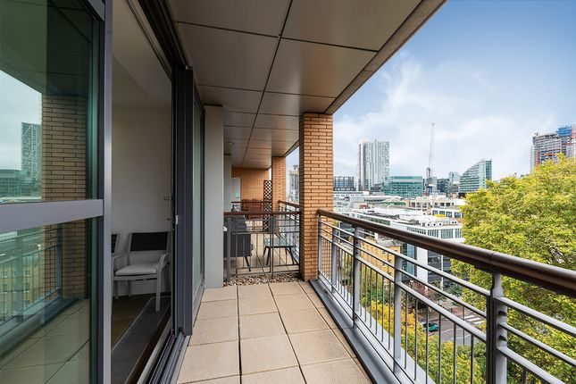 Thumbnail Duplex to rent in City Road, London