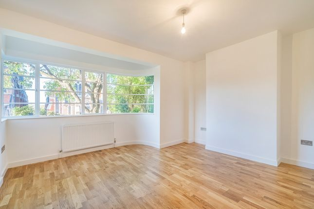 Thumbnail Flat for sale in Forest Hill Road, London