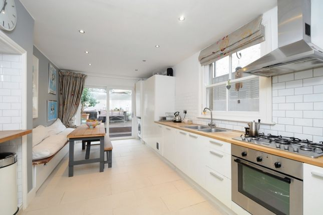 Thumbnail Terraced house to rent in Felixstowe Road, Kensal Green