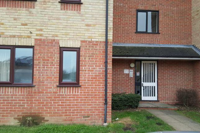 Thumbnail Flat to rent in Prestatyn Close, Stevenage