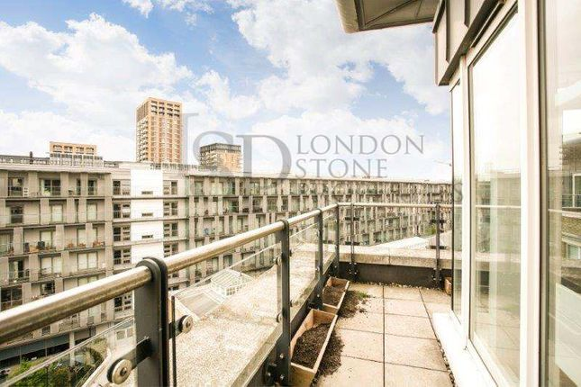 2 bed flat to rent in Building 22, Cadogan Road, Royal Arsenal