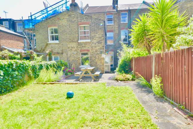 Thumbnail Terraced house to rent in Foxham Road, London