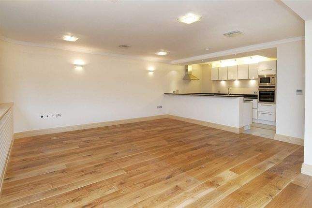 Thumbnail Flat for sale in The Terraces, London