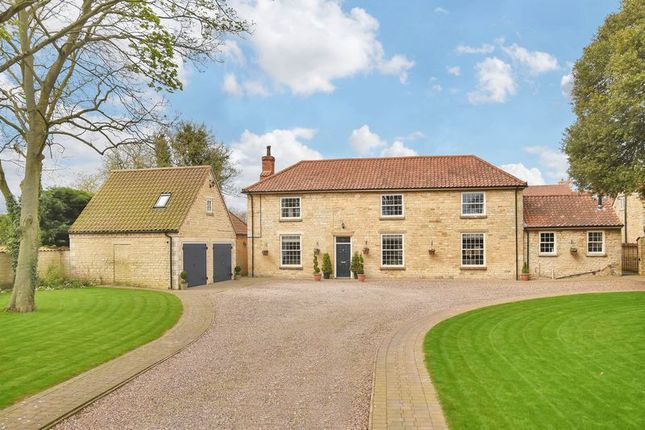 Thumbnail Detached house for sale in Lincoln Road, Dunston, Lincoln