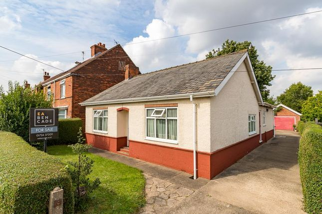 Thumbnail Detached bungalow for sale in Cemetery Road, Winterton, Scunthorpe