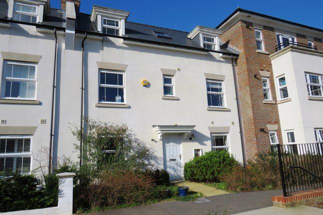 Thumbnail Property to rent in Trubwick Avenue, Haywards Heath