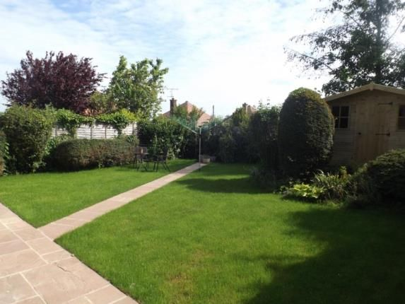 Thumbnail Bungalow for sale in Woodland Close, Radcliffe-On-Trent, Nottingham, Nottinghamshire