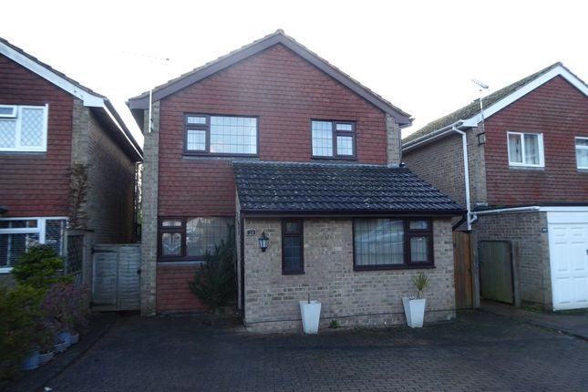 Thumbnail Detached house to rent in Scarletts Close, Uckfield