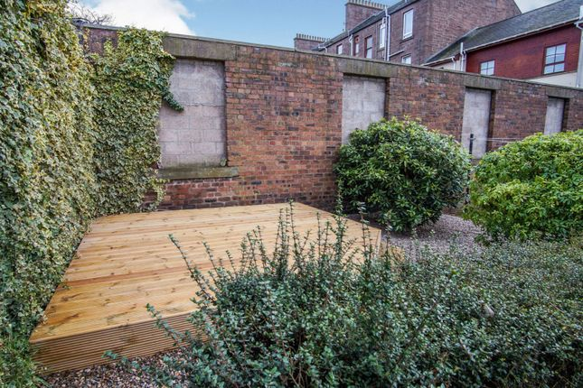 Decking of 201 Clepington Road, Dundee DD3