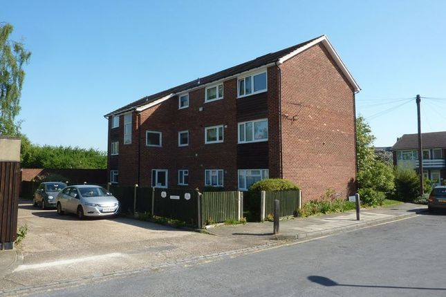 Thumbnail Maisonette for sale in Brentwood Close, London