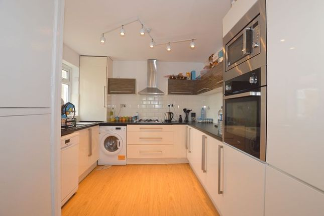 3 bed flat for sale in Dove Park, Pinner