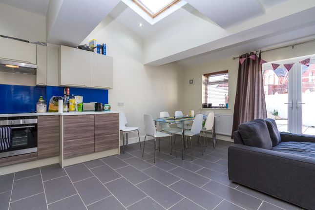 Thumbnail Property to rent in Cathays Terrace, Cathays, Cardiff