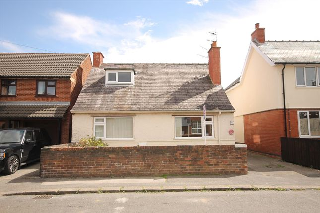 Thumbnail Detached bungalow for sale in Eyre Street East, Hasland, Chesterfield