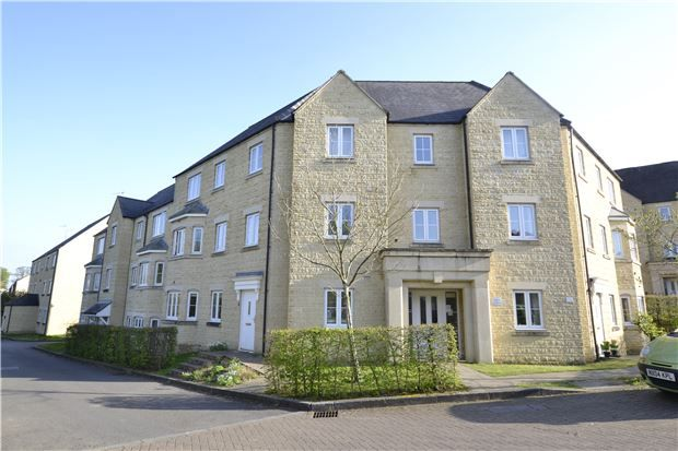 Thumbnail Flat for sale in Hyde Meadow View, Witney, Oxfordshire