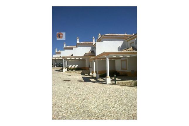 2 bed terraced house for sale in Albufeira E Olhos De Água, Albufeira E Olhos De Água, Albufeira