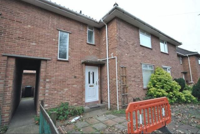 Thumbnail Semi-detached house to rent in Peckover Road, Norwich
