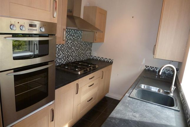 Thumbnail Property to rent in Belmont Street, Sowerby Bridge