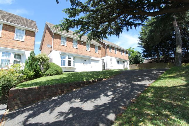 Thumbnail Detached house to rent in Thistlemead, Chislehurst, Kent