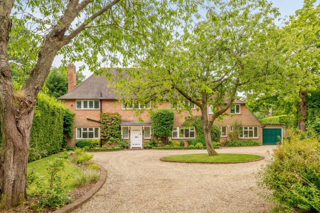 Thumbnail Detached house for sale in Roundwood Park, Harpenden, Hertfordshire