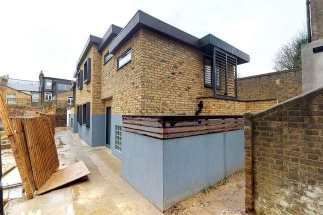 Exterior of Slindon Court, Stoke Newington High Street, London N16