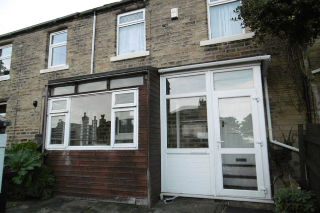 Thumbnail Property to rent in West Place, Moldgreen, Huddersfield