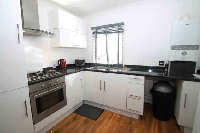Thumbnail Maisonette for sale in Nuxley Road, High Street, Belvedere, Kent