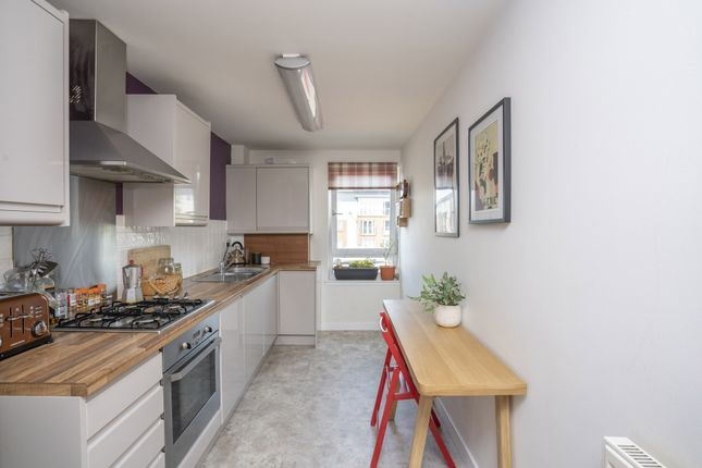 Thumbnail Flat for sale in Old Brewery Lane, Alloa