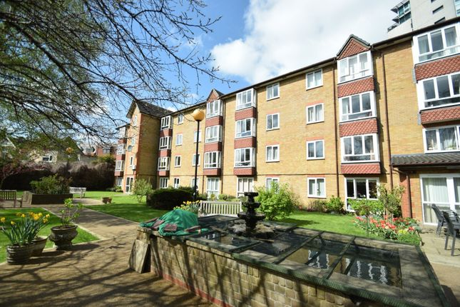 Thumbnail Flat for sale in Kings Lodge, North Finchley
