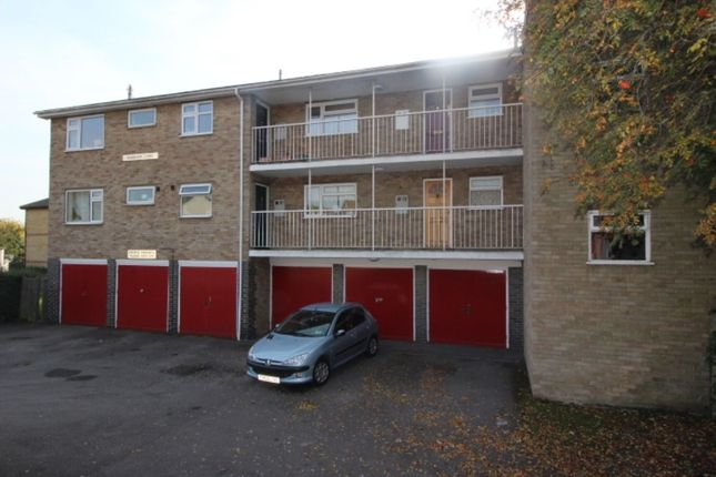 Thumbnail Flat to rent in Hoddesdon Road, Belvedere