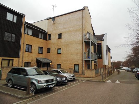 Thumbnail Flat for sale in Davis Way, Sidcup