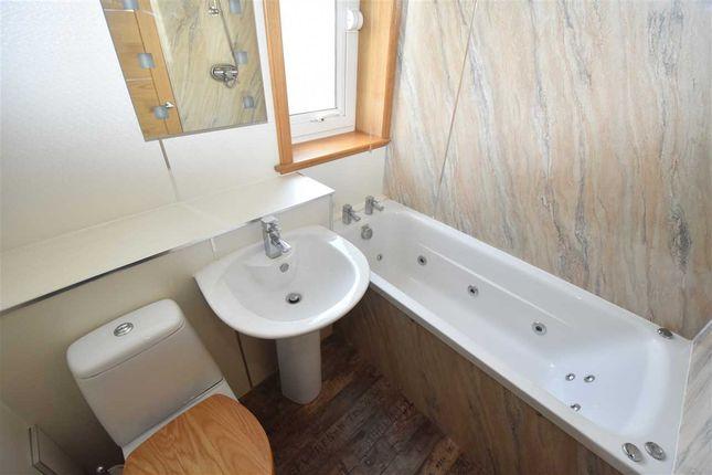 Bathroom of High Street, Burntisland KY3