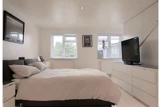 Master Bedroom of Raleigh Road, Richmond TW9