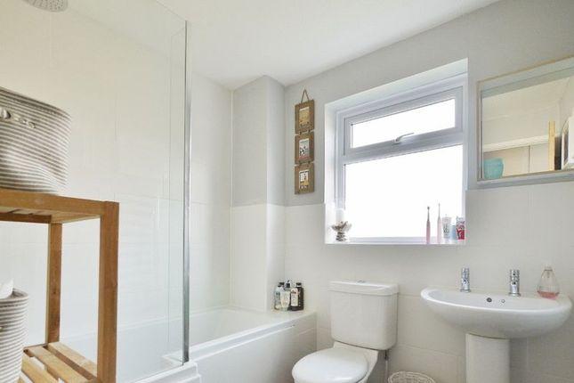 Family Bathroom of Woodhill Park, Pembury, Tunbridge Wells TN2