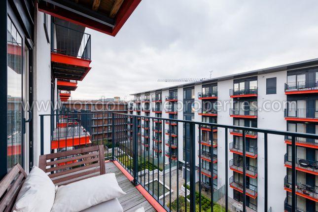Balcony Views of Major Draper Street, London SE18