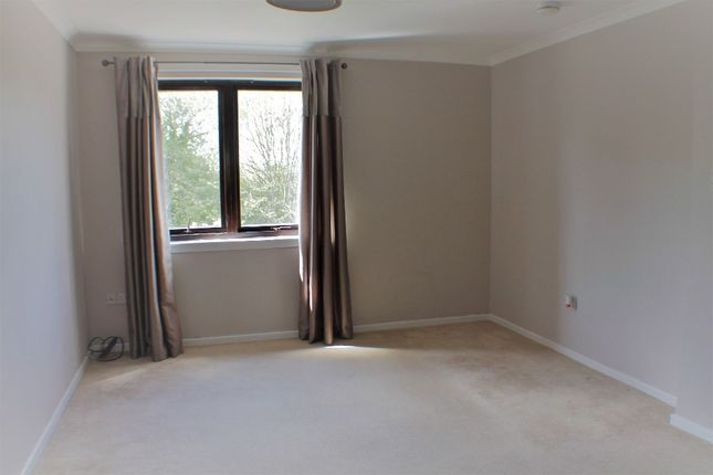 Thumbnail Flat to rent in Colton Court, Dunfermline, Fife