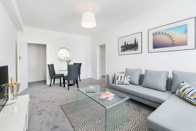 2 bed flat to rent in Dolphin Square, London