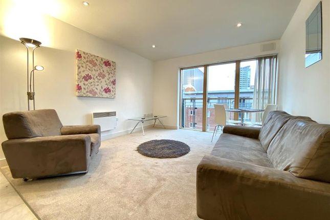Thumbnail Flat to rent in Canal Wharf, Waterfront Walk, Birmingham