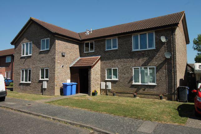 Thumbnail Flat to rent in Gainsborough Drive, Halesworth
